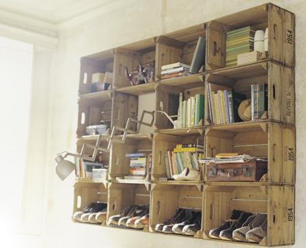 houten kratten vroeger werd zowat alles in houten kratten vervoerd op rommelmarkten zijn er vaak nog heel wat te vinden