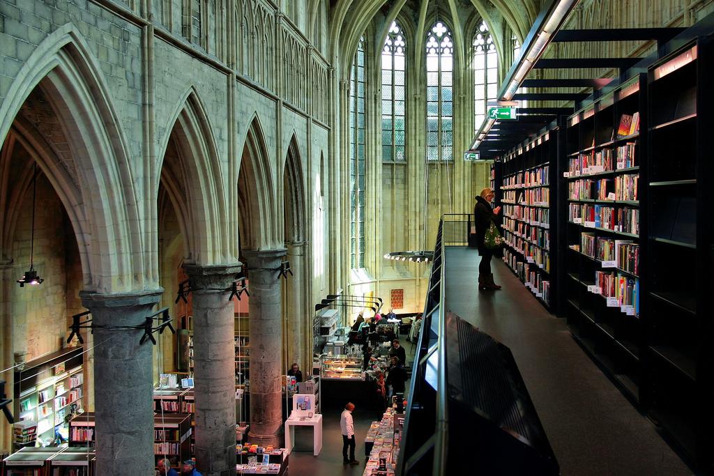 Op een lijst met de mooiste boekhandels ter wereld mag onze eigen mooiste boekhandel van Nederland natuurlijk niet ontbreken. Foto: Flickr/Jorge Franganillo