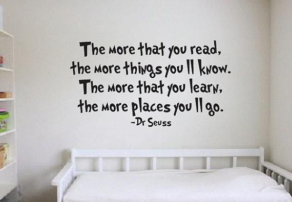 Een leuke wandsticker met een quote van Dr. Seuss.