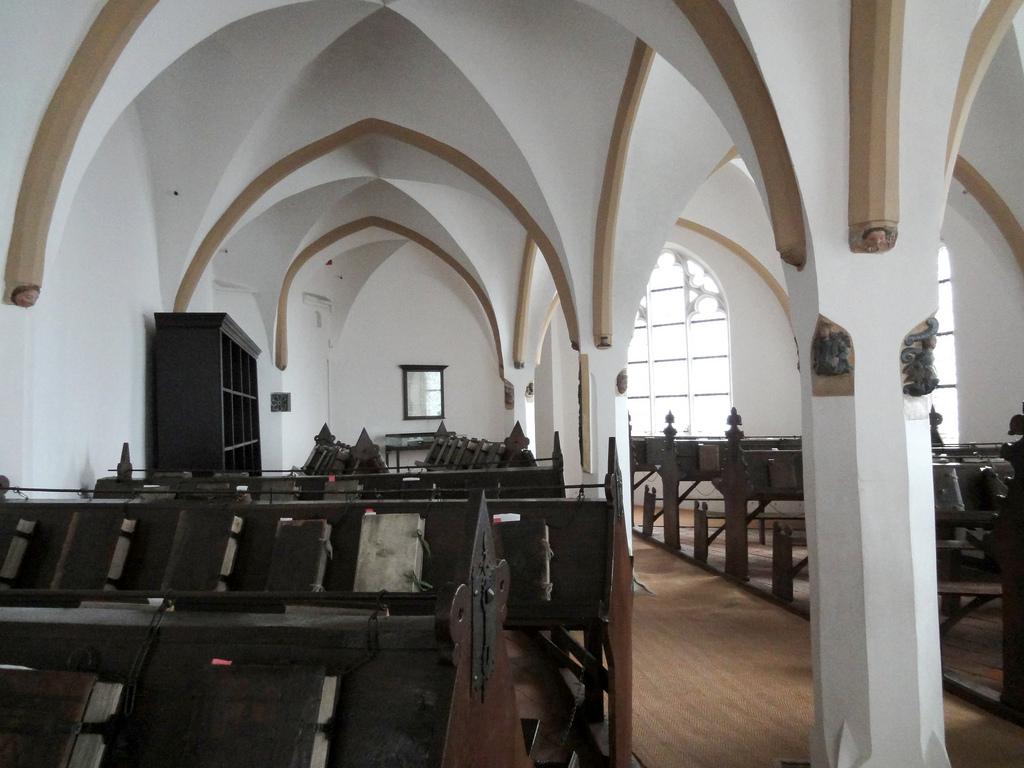 De Librije in Zutphen is een bibliotheek uit de 16e eeuw en uniek in Nederland. Het gaat namelijk om een kettingbibliotheek, de boeken zitten vast aan kettingen. (Foto: Flickr/Jim Forest)