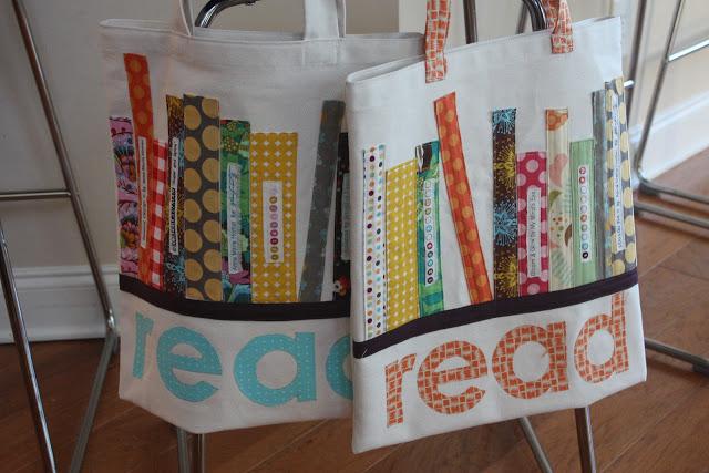Ben je creatief? Deze stoffen tassen met boeken erop kun je zelf maken!
