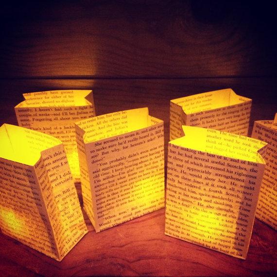 Deze lichtgevende boekenzakjes geven extra veel sfeer tijdens het kerstdiner